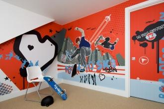 Born to Sk8 mural in kids bedroom