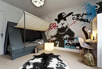 Rat Rap mural and Tent Bed in boys bedroom