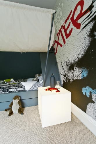 Cube light Bedside table in boys room