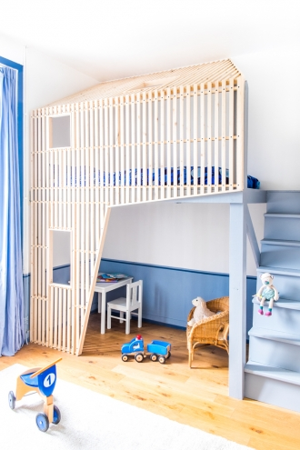 Bed with play space above