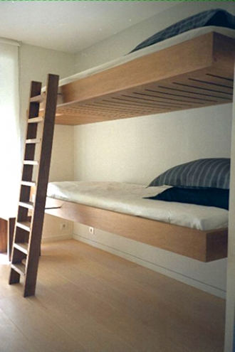 Floating wall mounted bunk beds